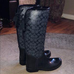 Coach logo lace up rain boots grey black size 8